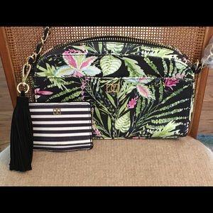DD Double D Brand Floral Bag & Card Holder NWOT